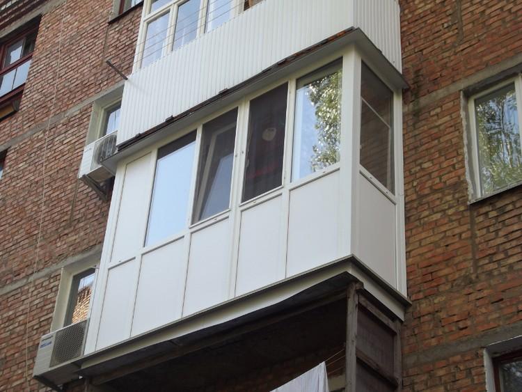 фото балконы пластиковые